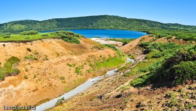Горячее озеро